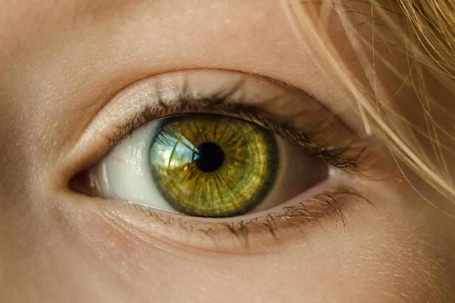 после линз болят глаза что делать